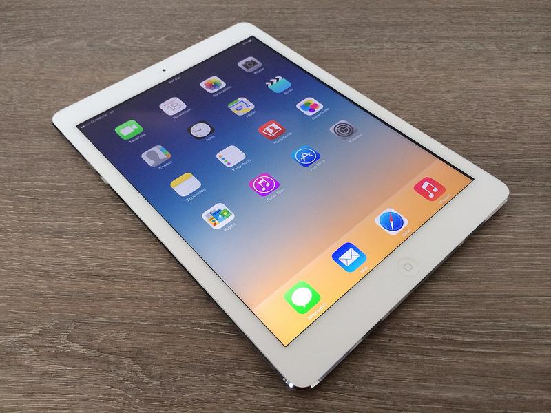 iPadにSIMを挿して使いたいならSIMフリー版かdocomo版の白ロムかの ...