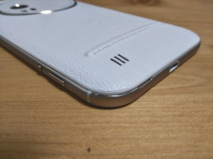 ASUS ZenFone Zoomのシャッターボタンと動画ボタン