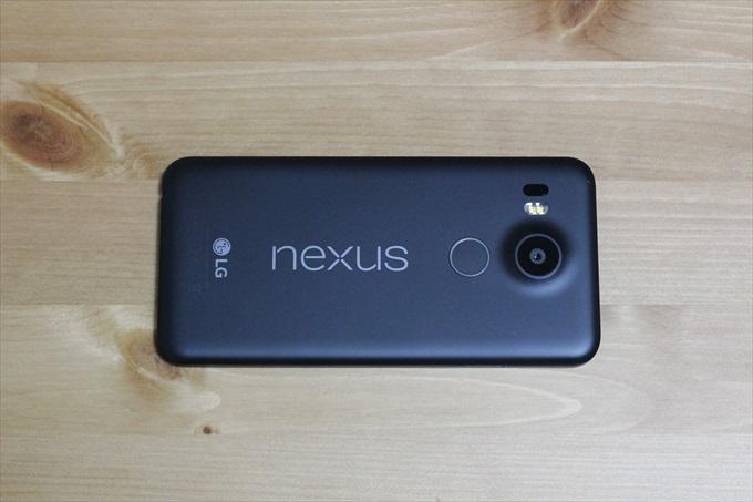 Nexus 5Xの背面