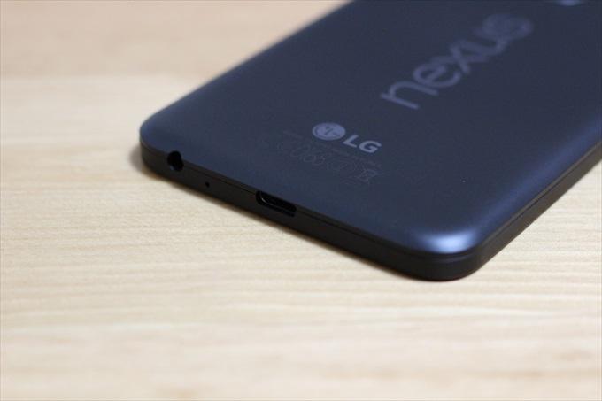 Nexus 5XのイヤホンジャックとUSB Type-Cポート