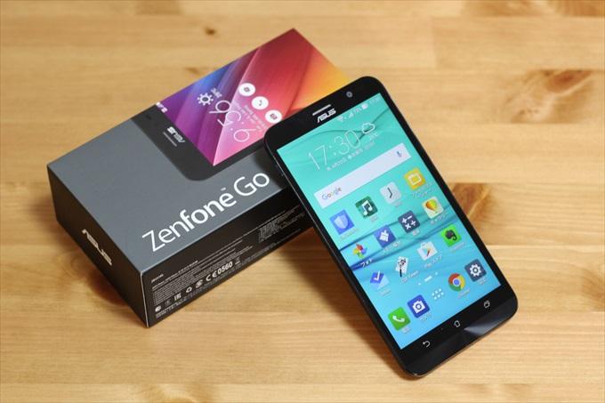 ASUS ZenFone Go 本体とパッケージ