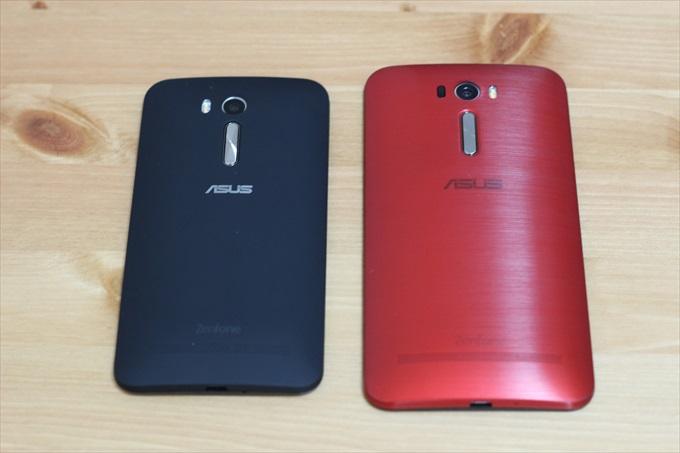 ZenFone GoとZenFone 2 Laser ZE601KLの背面を比較
