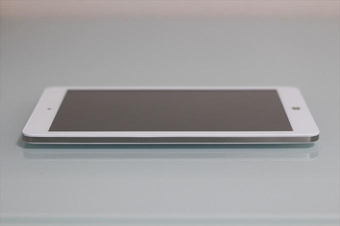 Chuwi Hi8 Proの側面