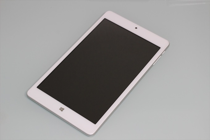 Teclast X80 Powerの外観(表)