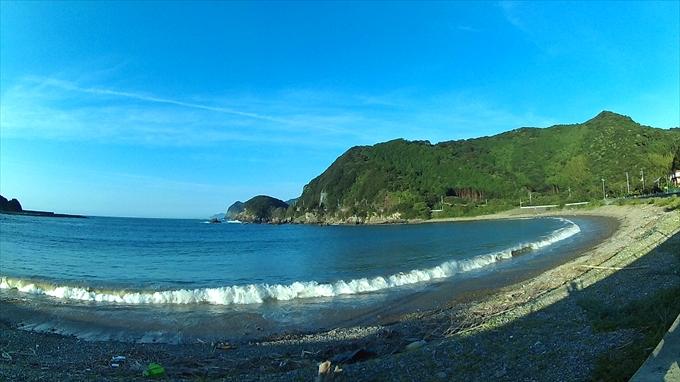 アクションカメラC1で朝撮った海と山の写真