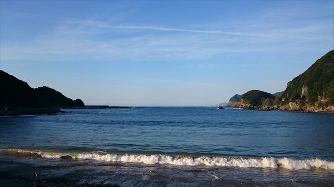 Xperia Z3 Compact SO-02Gで朝撮った海辺の写真