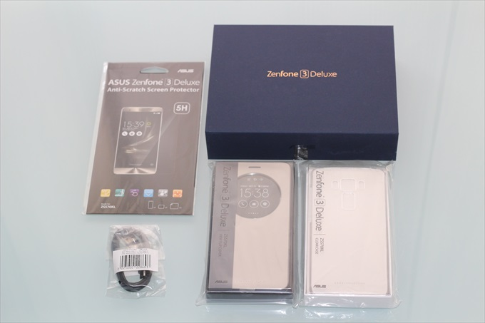 ZenFone 3 Deluxe ZS570KLと購入した物