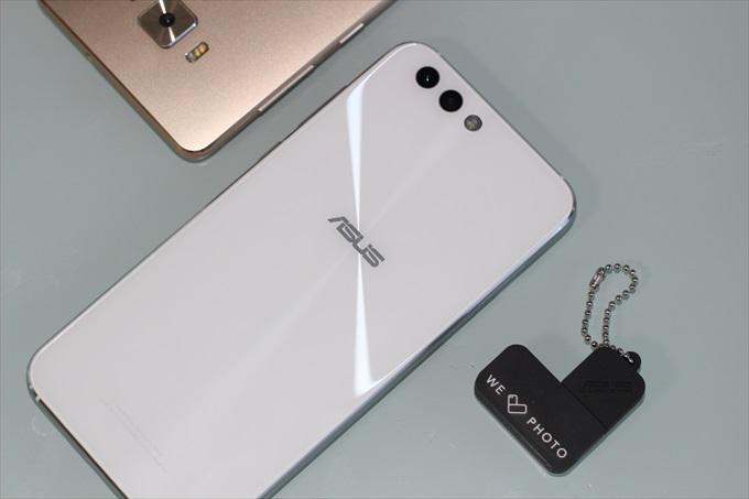 ASUSのSIMフリースマートフォンZenFone 4 ZE554KL