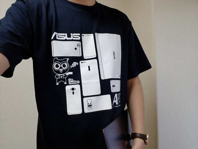 A部員Tシャツを着た人
